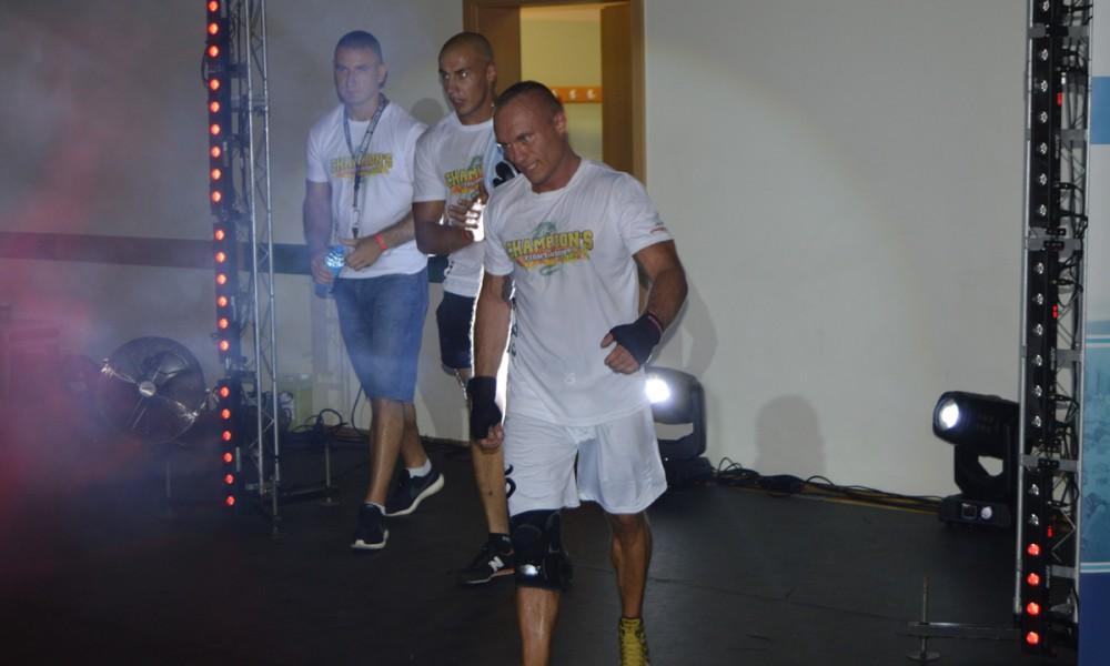 Champions Fight Night Round 4 (15)